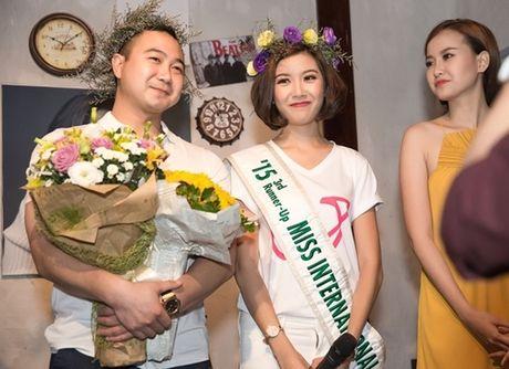 Ban trai dai gia cua A hau Thuy Van lan dau lo dien - Anh 6