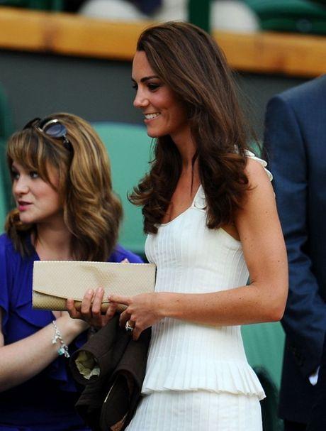 Nhung chiec vi hang hieu cua cong nuong Kate Middleton - Anh 2