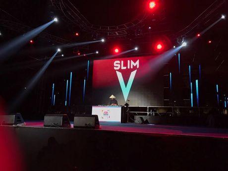SlimV doi non la trinh dien, mo man xuat sac cho #teamVietNam truoc khi Noo den Asia Song Festival - Anh 2