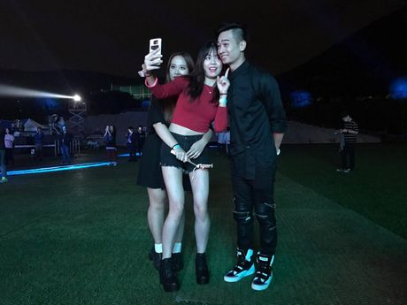 SlimV doi non la trinh dien, mo man xuat sac cho #teamVietNam truoc khi Noo den Asia Song Festival - Anh 5