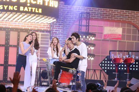 Lip Sync Battle: Kelvin Khanh om Tran Thanh tinh tu tren nen nhac Khoi My - Anh 1