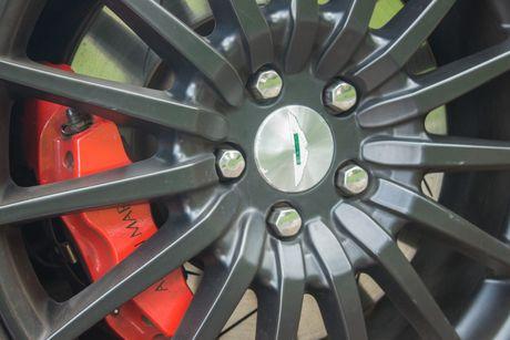Aston Martin DB9 Volante ra bien trang tai Sai Gon - Anh 10