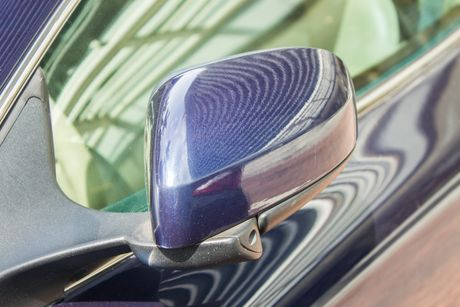 Aston Martin DB9 Volante ra bien trang tai Sai Gon - Anh 11