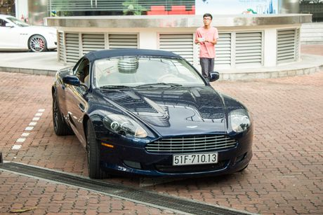 Aston Martin DB9 Volante ra bien trang tai Sai Gon - Anh 2
