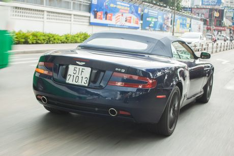 Aston Martin DB9 Volante ra bien trang tai Sai Gon - Anh 3
