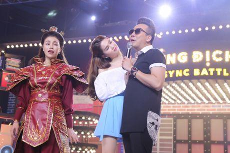 Tran Thanh che Tra Ngoc Hang hat tieng Anh nhu tieng Viet - Anh 8