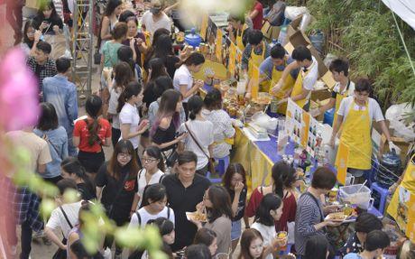 Gioi tre Ha Noi chen lan mua sam tai The New District - Anh 10