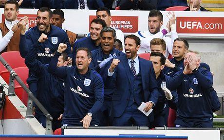 Rooney mo nhat, Anh thang nhe 'be hat tieu' Malta - Anh 2