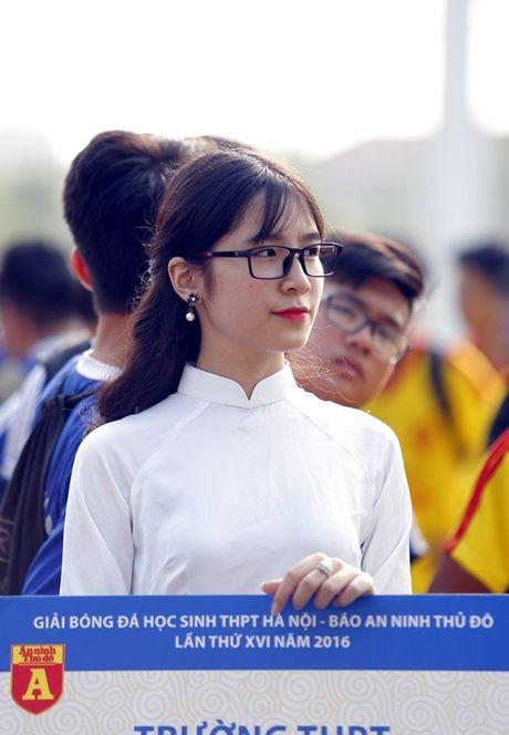 Nu sinh Ha Thanh khoe sac tai giai bong da hoc sinh PTTH - Anh 3