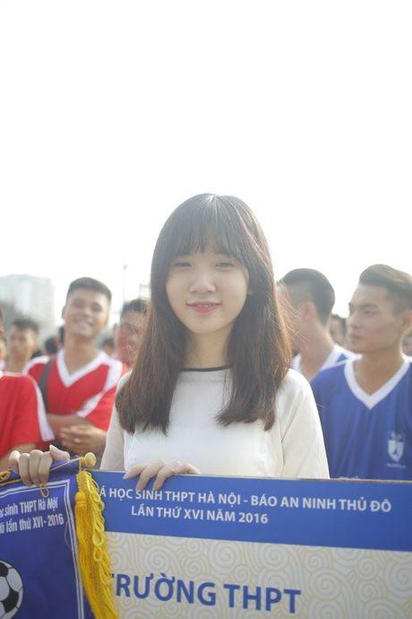 Nu sinh Ha Thanh khoe sac tai giai bong da hoc sinh PTTH - Anh 5