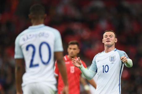 7 hinh anh tom tat man trinh dien te hai cua Rooney truoc Malta - Anh 2