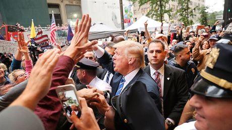 Dang Cong hoa chao dao sau phat ngon gay soc cua Donald Trump - Anh 1