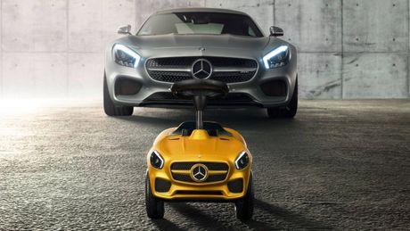 Mercedes trinh lang xe AMG GT Bobby-Car danh cho tre em - Anh 3