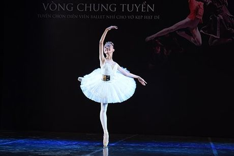 Thien than ballet nhi cham tay vao vo dien kinh dien 'Kep Hat De' - Anh 1