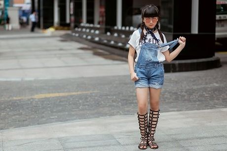 Co be gay bao tai The Voice Kids 'chat lu' xuong pho - Anh 10