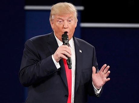 Trump bi che nhao vi dieu bo tranh luan dat do nhu 'xac song' - Anh 2