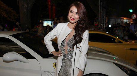Choang voi 2 dinh thu tai Ha Noi va o que cua Hoang Thuy Linh - Anh 15