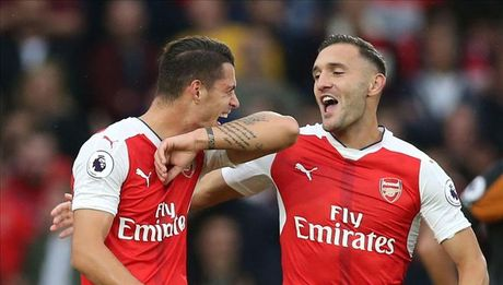 Arsenal don lien 2 tru cot tro lai sau chan thuong - Anh 3