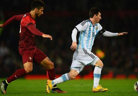 Lam dong doi ca Messi va Ronaldo, Andre Gomes noi gi? - Anh 1