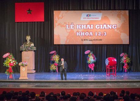 """Chu tich Tap doan Hoa Sen: """"Hay co gang tro thanh nguoi tu te"""" - Anh 1"""