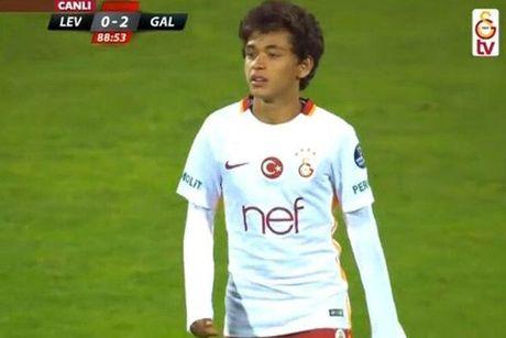 Galatasaray cho cau thu 14 tuoi da doi 1 - Anh 1