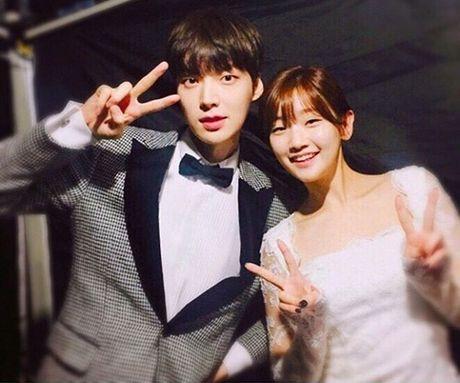 Sao Han 10/10: Chae Yeon (I.O.I) eo nho xiu, Seol Hyun khoe dang quyen ru - Anh 7