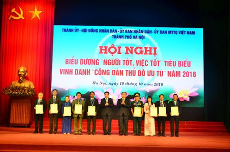 Vinh danh 9 'Cong dan Thu do uu tu' nam 2016 - Anh 1