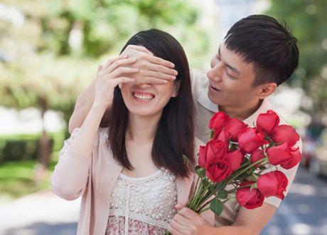 Vo minh khong chieu, le nao chieu vo hang xom? - Anh 1