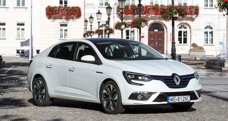 Renault Megane sedan the he moi chinh thuc trinh lang - Anh 1