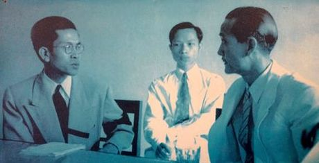 Chan dung duoc si goc Hoa, thi truong Ha Noi xay lai cau The Huc - Anh 1