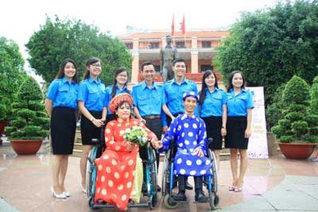 Dam cuoi 'Ven tron hanh phuc' cua 6 cap doi khuyet tat - Anh 4