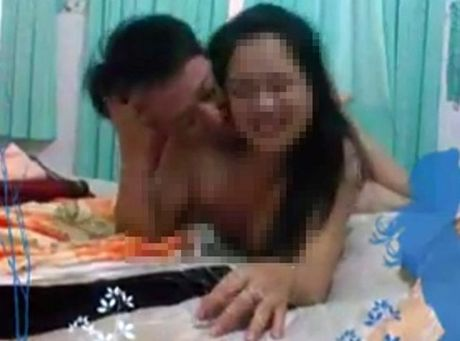 Vu pho giam doc lo clip sex: Ong Vien nhan quyet dinh thoi viec - Anh 1
