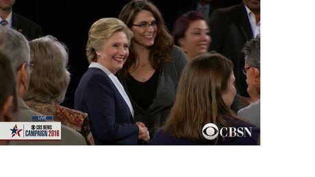 Tranh luan truc tiep lan 2: Ba Clinton tiep tuc to ra 'troi' hon ong Trump - Anh 3