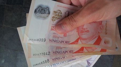 O Singapore, CEO khong phai la vi tri duoc tra luong cao nhat - Anh 1