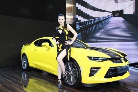 GM Viet Nam se phan phoi Chevrolet Camaro SS lung danh the gioi - Anh 2