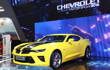 GM Viet Nam se phan phoi Chevrolet Camaro SS lung danh the gioi - Anh 4