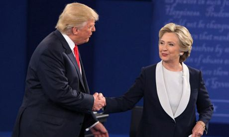 Clinton thang thuyet phuc Trump trong cuoc tranh luan lan hai - Anh 1