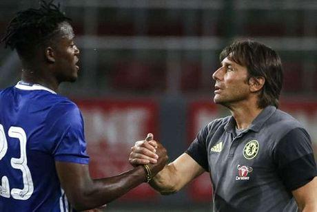 Chelsea van can Batshuayi - Anh 2