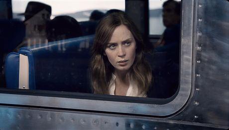 'The Girl on The Train' soan ngoi 'Mai Am Ki La Cua Co Peregrine' tren bang xep hang doanh thu - Anh 1
