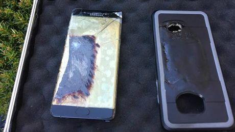 Trong 1 tuan, co toi 3 chiec Galaxy Note 7 'an toan' bi chay - Anh 1