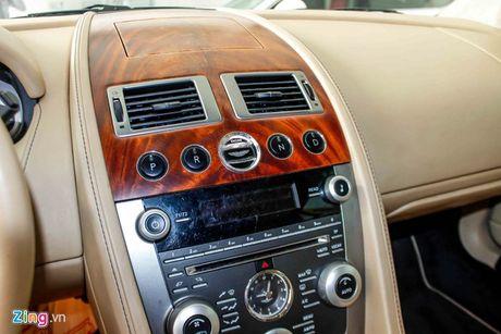 Aston Martin DB9 - sieu xe vang bong mot thoi tai Viet Nam - Anh 6