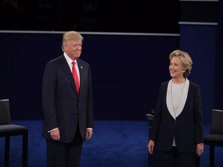 Tranh luan lan 2: Trump se cho Clinton di tu neu thang - Anh 1