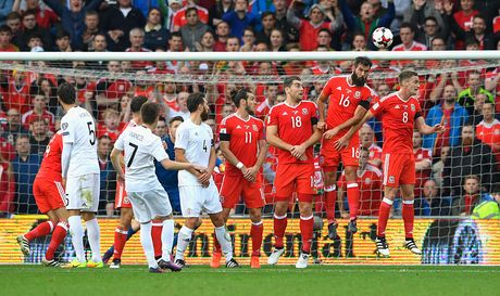 Bale ghi ban, xu Wales van bi Georgia cam hoa 1-1 - Anh 6