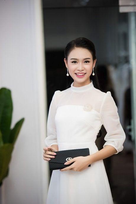 Nguoi dep Ngoc Van diu dang ben dan chi Huyen My - Anh 2