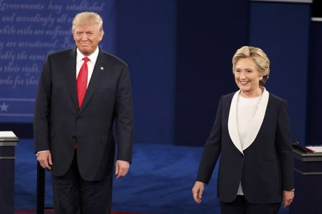 Tranh luan lan 2: ong Donald Trump va ba Clinton khong them bat tay - Anh 1