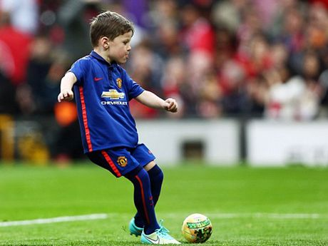 Con trai Rooney, Carrick theo buoc cha gia nhap Man United - Anh 1