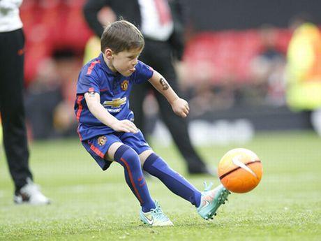 Con trai Rooney, Carrick theo buoc cha gia nhap Man United - Anh 4