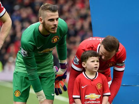 Con trai Rooney, Carrick theo buoc cha gia nhap Man United - Anh 5