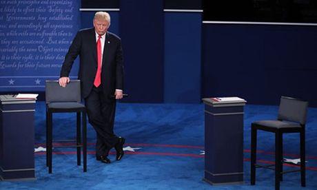 Ve bieu cam cua ong Trump trong cuoc tranh luan voi ba Clinton - Anh 13