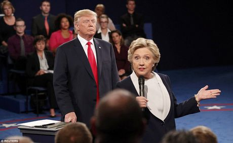 Ve bieu cam cua ong Trump trong cuoc tranh luan voi ba Clinton - Anh 1
